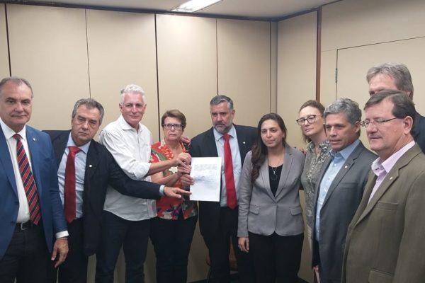 Célio Moura integra grupo que pede CPI das Barragens