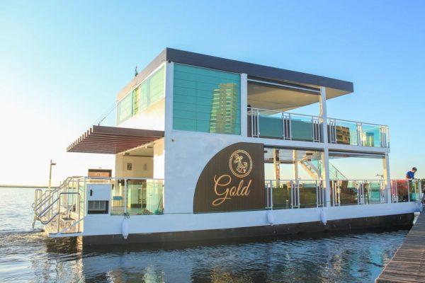 Flutuante Gold: lazer em grande estilo no lago de Palmas