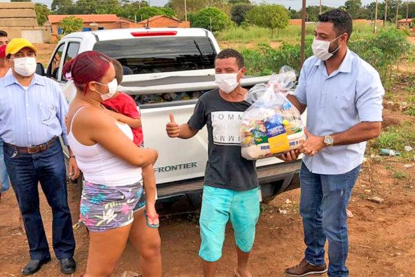 Famílias despejadas no Jardim Taquari recebem auxílio do Governo do Tocantins