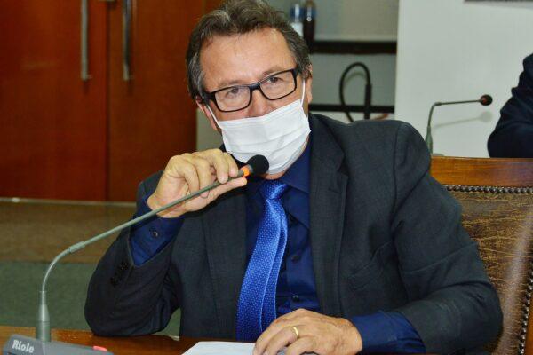 Deputado Vilmar solicitam recuperação de estradas e reforma de prédios públicos para 32 municípios