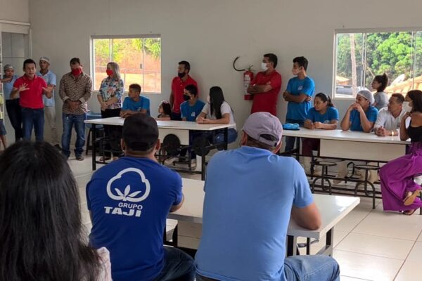 APARECIDA: Suzano e Assis percorrem zona rural e são recepcionados por produtores