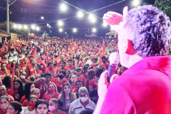Suzano realiza última reunião com milhares de pessoas no centro da cidade