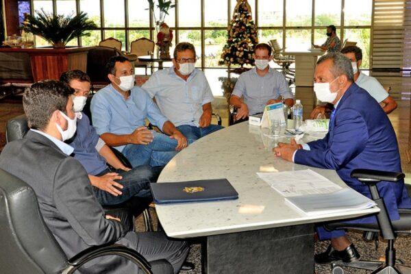 Antônio Andrade recebe prefeitos eleitos e ouve demandas