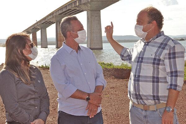 Governador em exercício, Antonio Andrade, vistoria obras da Ponte de Porto Nacional