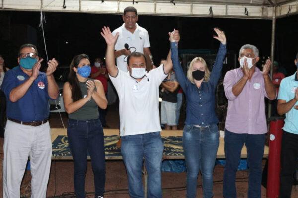 Com apoio de Cleiton Cardoso, Kleber do Sacolão realiza grande reunião no Setor Sul de Ponte Alta