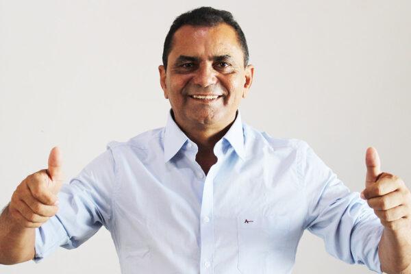 SÃO FÉLIX: Gilvan Ribeiro aposta no corpo a corpo no final da campanha