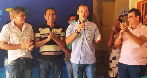 SÃO FÉLIX: Campanha de Gilvan Ribeiro ganha apoio do deputado Vicentinho Junior