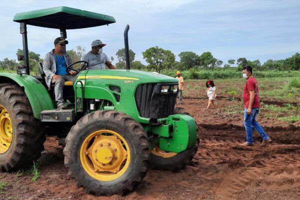 Prefeitura de Santa Tereza inicia Gestão levando apoio a produtores rurais