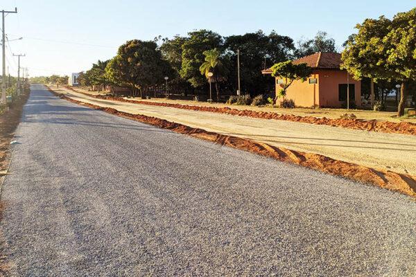 Emendas do deputado Carlos Gaguim garantem asfalto para Mateiros