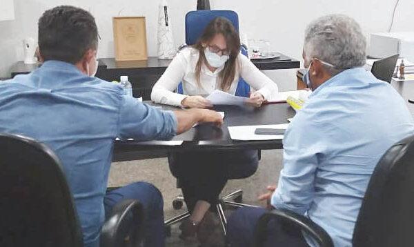 SANTA TEREZA: Prefeito Antônio Campos solicita da Ageto material para tapa-buracos
