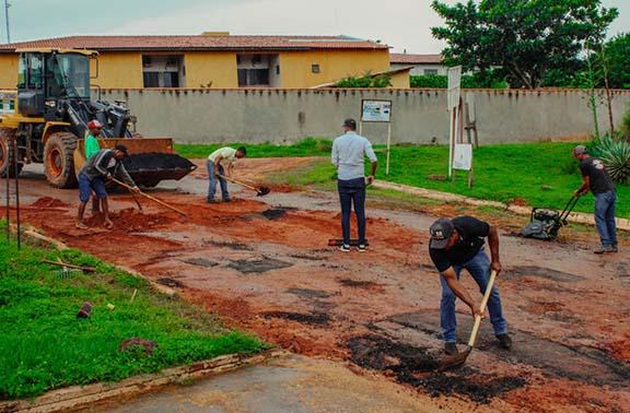 Prefeitura de Mateiros realiza operação tapa-buracos no Município