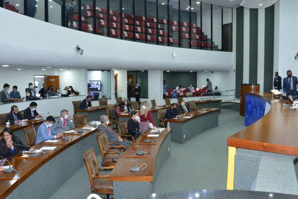 Deputados aprovam mudanças no orçamento do Estado e transferem R$ 100 milhões para o Fundo de Saúde