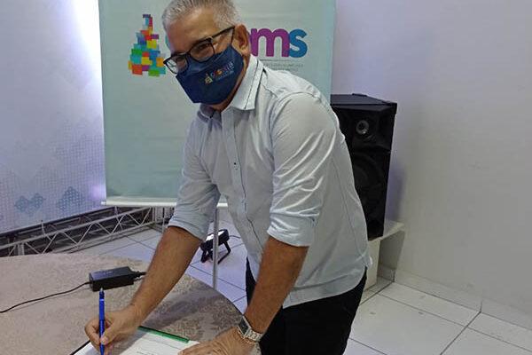 MATEIROS: Secretário de saúde participa de eleição da nova diretoria do Conselho de Secretarias Municipais