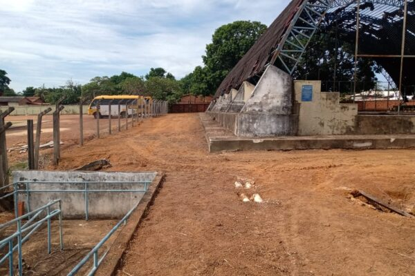 APARECIDA: Antigo prédio da Escola Estadual recebe limpeza e reforma da cozinha para nova sala de aula