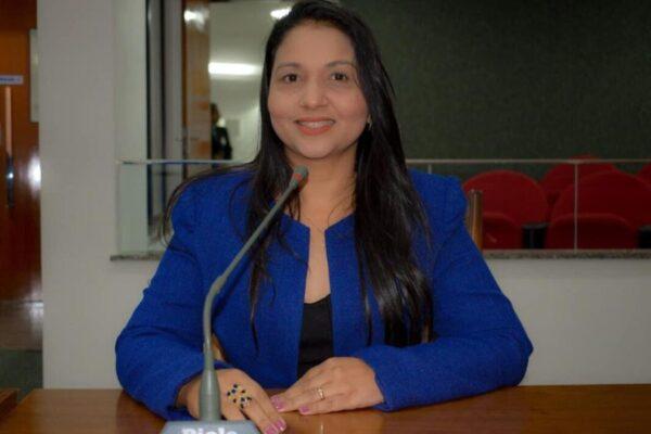 A pedido de prefeito, Vanda Monteiro requer estadualização do hospital de Colinas