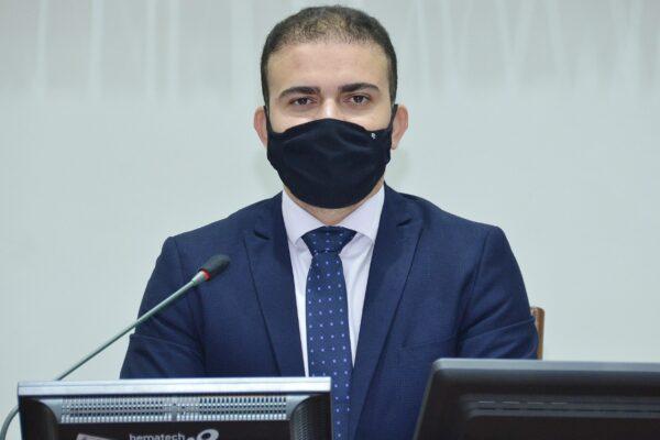 Léo Barbosa pede a instalação de restaurantes populares durante a pandemia