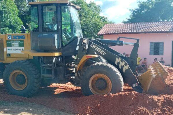 MATEIROS: Comunidade Mumbuca recebe limpeza completa e manutenção de vias