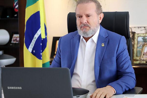 Número de casos de Covid-19 começa a cair no Estado e governador Carlesse reforça importância da vacinação