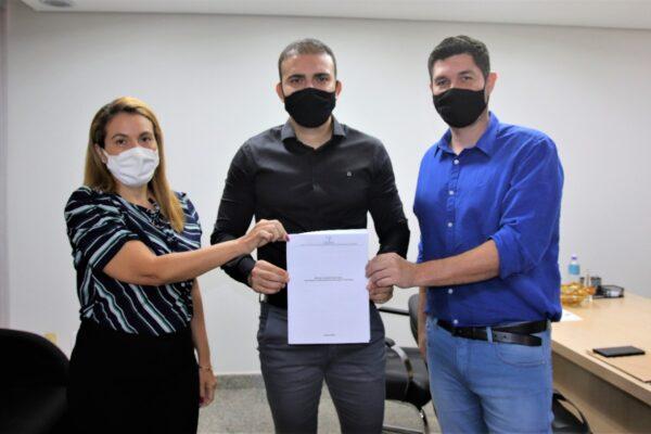 PL de Léo Barbosa declara de Utilidade Pública Associação Anjo Azul