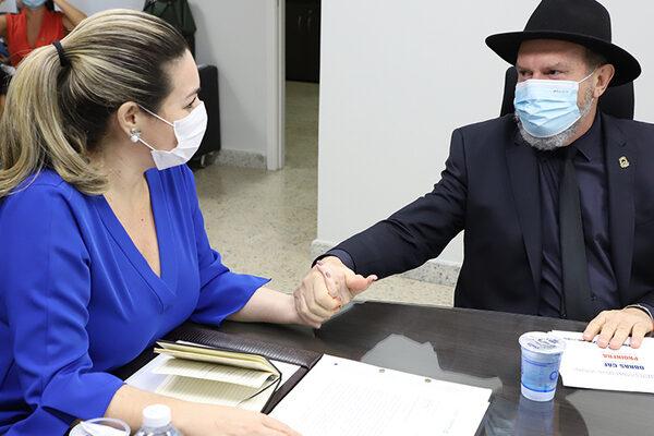Governador Mauro Carlesse e prefeita Cinthia Ribeiro estreitam parcerias para alinhar investimentos na Capital