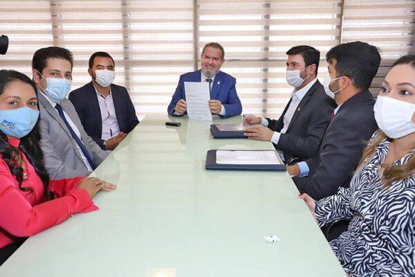 Governador Carlesse autoriza contratação de professores para o curso de medicina da Unitins em Augustinópolis