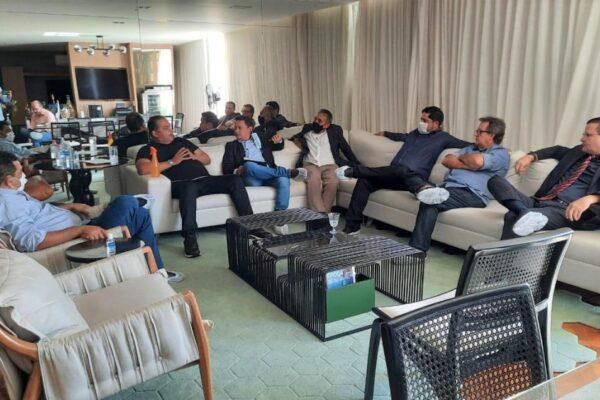Vilmar leva demandas dos municípios a senador Eduardo Gomes