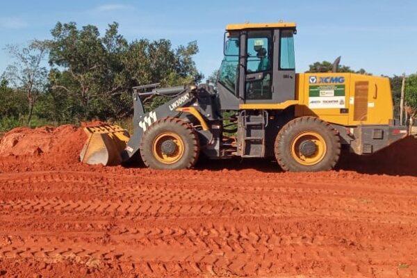 Prefeitura de Mateiros realiza preparação do terreno para construção do Centro de Eventos