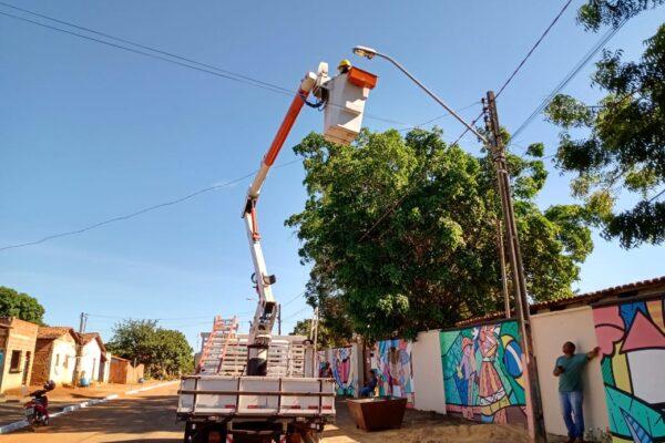 Prefeitura de Aparecida conclui manutenção geral na iluminação pública e pintura de meios-fios