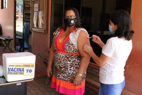 Município de Mateiros realiza vacinação de profissionais da Educação nas zonas urbana e rural