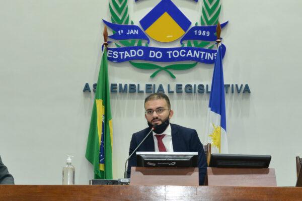 Léo Barbosa propõe anteprojeto que visa a humanização do atendimento na área da saúde