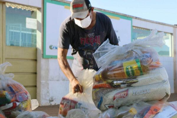 Governo do Tocantins entrega 48 toneladas de alimentos em 25 cidades tocantinenses