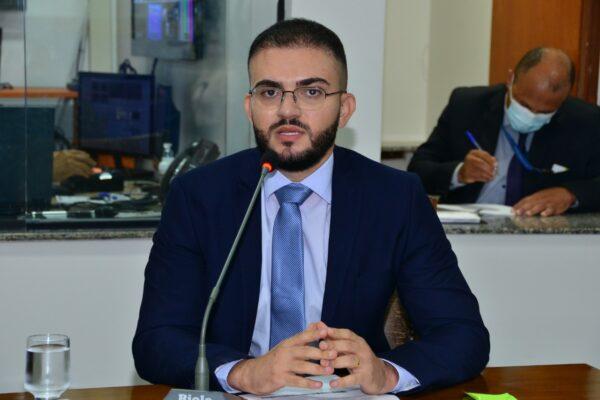 Léo Barbosa solicita a convocação de excedentes do concurso da PM para o Teste de Aptidão Física