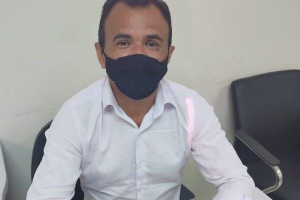 MATEIROS: Prefeito Pastor João assina convênio com o Governo do TO para receber recursos para manutenção da frota escolar