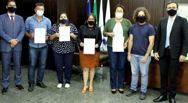 SANTA TEREZA DO TO: Prefeitura firma termo de cooperação com Poder Judiciário para início da regularização fundiária do Município