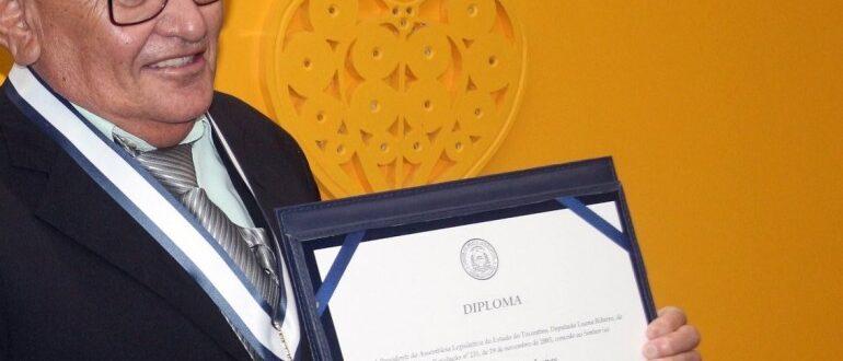Servidor pioneiro na Assembleia Legislativa, Alcides Carneiro morre aos 71 anos