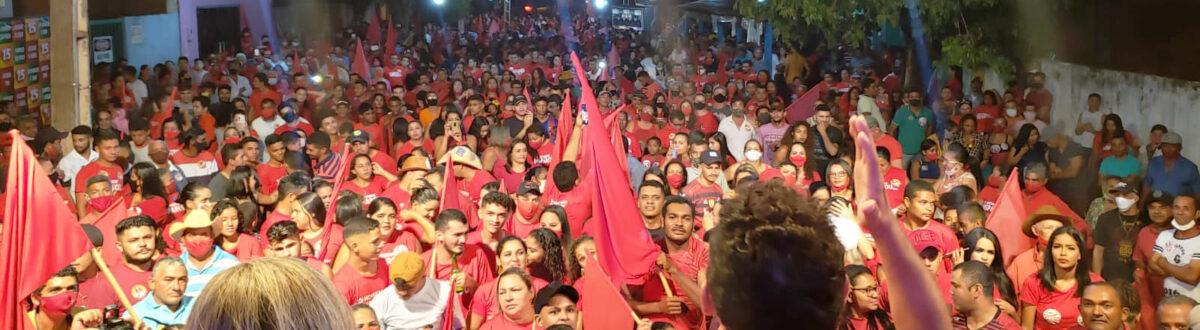 APARECIDA: Suzano e Assis são recebidos por cerca de 3 mil pessoas na Avenida do Estudante
