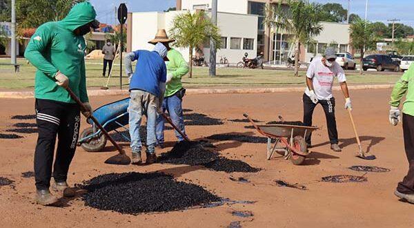 Nova etapa do tapa-buracos é executada pela Prefeitura de Aparecida